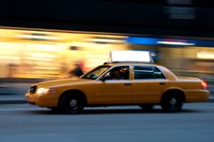 copyspace ταξί νύχτας στοκ φωτογραφία