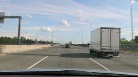 copyspace автомобиля управляя взглядом обеспеченным внутренностью акции видеоматериалы