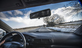 copyspace автомобиля управляя взглядом обеспеченным внутренностью Стоковые Изображения RF