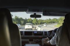 copyspace автомобиля управляя взглядом обеспеченным внутренностью Стоковые Фотографии RF