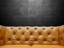 与Copyspace的段皮革沙发室内装饰品 库存照片
