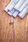 Copyspace-Bildstapel weiße Pläne auf altem Stockfoto
