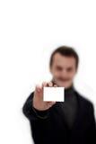 CopySpace - de holdingsadreskaartje van de Jonge Mens Stock Fotografie
