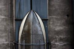 Coque de bateau en métal avec des rivets Photos libres de droits