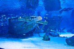 Coque de bateau sous l'eau images stock