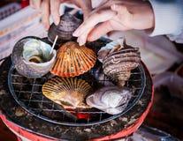 Coquilles grillées de mer, Ehime, Hiroshima, Japon Image stock