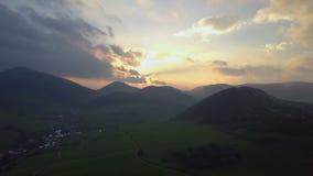 Cor aérea do por do sol da natureza Lapso de tempo video estoque