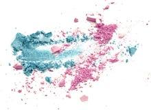 A cor azul e cor-de-rosa compõe a sombra para os olhos do pó esmagada Imagem de Stock