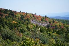 Cor da queda das montanhas de Ridge azul fotografia de stock
