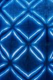 Cor de tingidura do índigo do batik do laço do batik do laço ou cor do mauhom na tela fotografia de stock royalty free