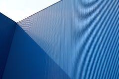 Cor ondulada do azul da folha de metal Imagens de Stock