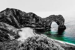 Cor preto e branco da porta de Durdle imagens de stock royalty free