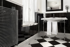 Cor preto e branco do banheiro Imagem de Stock Royalty Free