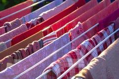 A cor veste parte externa de secagem Fotografia de Stock Royalty Free
