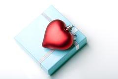 Coração bonito do dia de Valentim de caixa de presente da jóia Imagens de Stock
