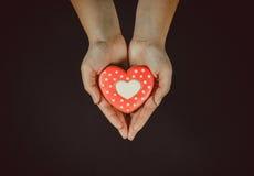 Coração bonito do pão-de-espécie Fotos de Stock