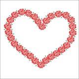 coração bonito grande feito das flores do vermelho e das pétalas no feriado do dia do ` s do Valentim dos amantes Fotos de Stock Royalty Free