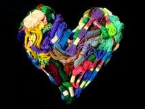 Coração colorido da mistura de linhas para o bordado foto de stock