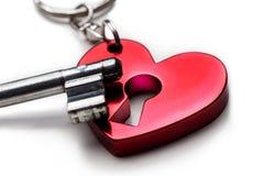 coração com keylock e chave foto de stock