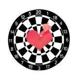 Coração com o dardo visado ao centro imagens de stock
