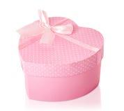 Coração consideravelmente cor-de-rosa caixa de presente dada forma Imagens de Stock