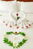 Coração da cisne de toalha Imagens de Stock