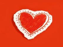 Coração de papel no fundo vermelho fotografia de stock royalty free