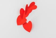 Coração de papel vermelho do origâmi no fundo branco Foto de Stock Royalty Free