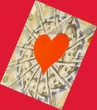 Coração de papel vermelho e cem notas de dólar Imagens de Stock