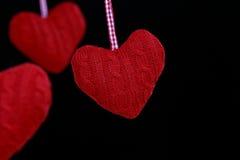 Coração de suspensão dado forma da decoração Fotografia de Stock