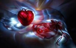 Coração de veludo e saco semilucent com dois corações Imagem de Stock Royalty Free