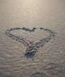 Coração desenhado na areia Imagem de Stock Royalty Free
