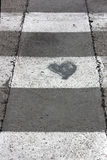 Coração do amor na rua imagens de stock