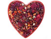 Coração do Valentim feito do Potpourri secado da flor Foto de Stock