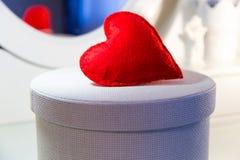 Coração do vermelho de matéria têxtil Fotografia de Stock Royalty Free