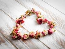 Coração dos botões cor-de-rosa secos Imagens de Stock