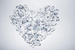 Coração dos cubos de gelo Fotos de Stock Royalty Free
