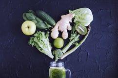 Coração dos vegetais e dos frutos verdes Imagens de Stock Royalty Free