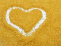 Coração drawed no sal de banho fotografia de stock