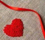 Coração e fita Fotos de Stock Royalty Free