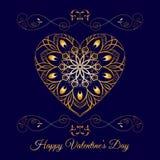 Coração floral das gregas do ouro do vetor sobre o azul Feriado feliz do dia de Valentim Imagens de Stock