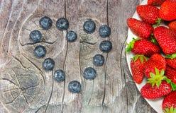 Coração fora das uvas-do-monte Imagem de Stock