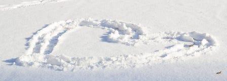 Coração na neve branca Imagens de Stock Royalty Free
