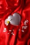 Coração no cetim vermelho Imagens de Stock Royalty Free