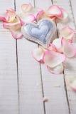 Coração no fundo de madeira Imagem de Stock Royalty Free