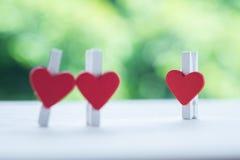 Coração quebrado do clipe de papel Fotografia de Stock Royalty Free