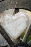Coração rústico na roda de madeira Imagem de Stock