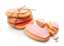 Coração saboroso cookies dadas forma isoladas Imagem de Stock Royalty Free