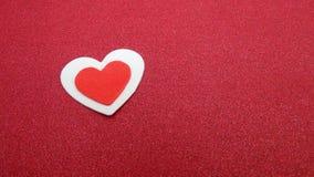 Coração vermelho e branco Fotos de Stock