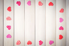 Coração vermelho em um fundo de madeira Imagens de Stock Royalty Free